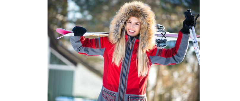 kobieta z nartami